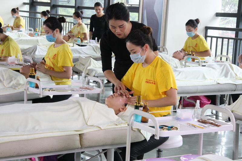 广州美容学院哪个好,最出名