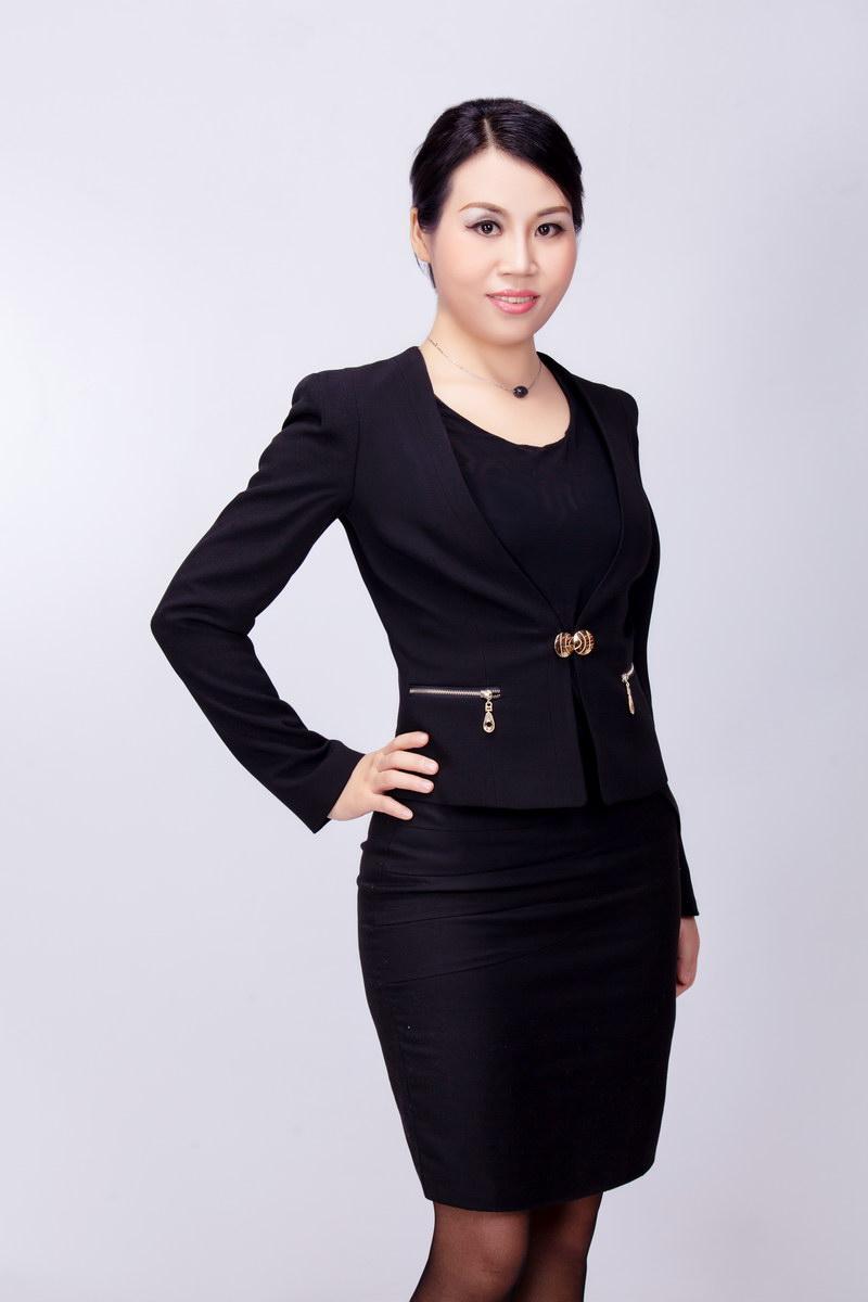 王秀华:高级美容讲师