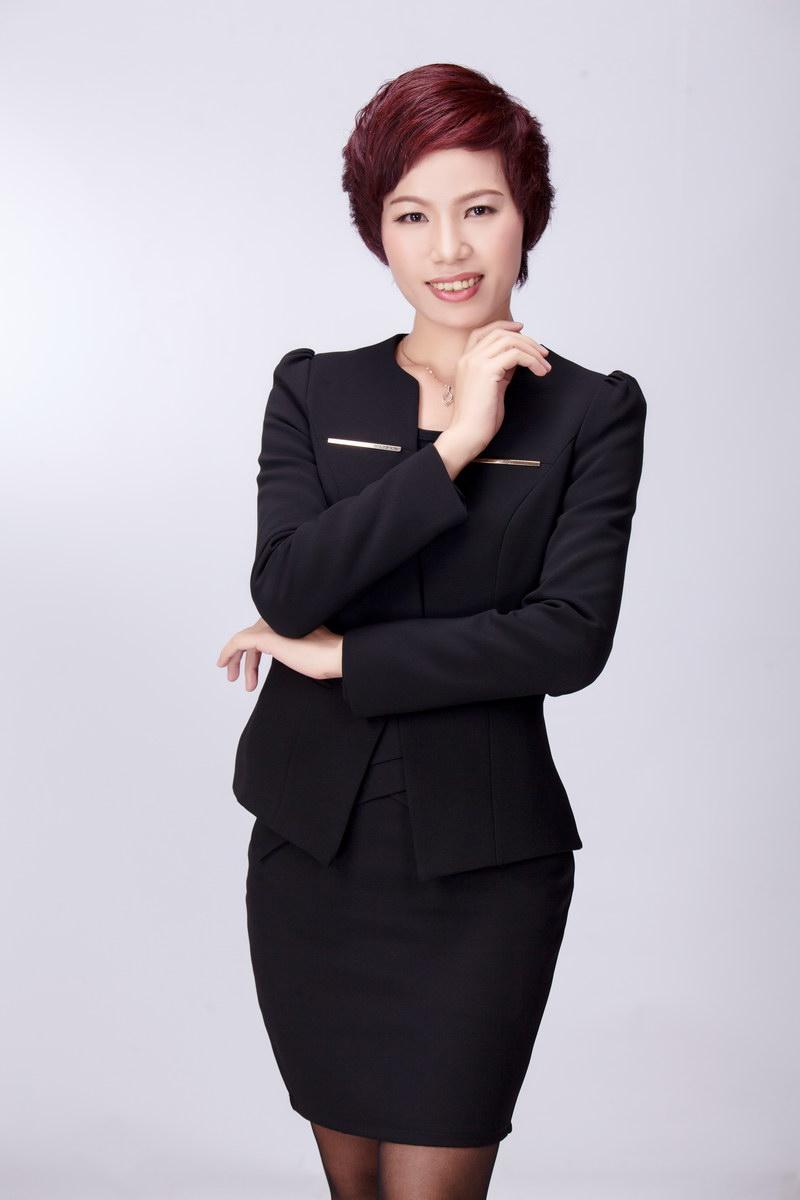 杨木调: 美容培训主管