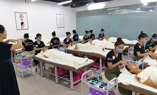 广州白云哪里有美容化妆培训机构